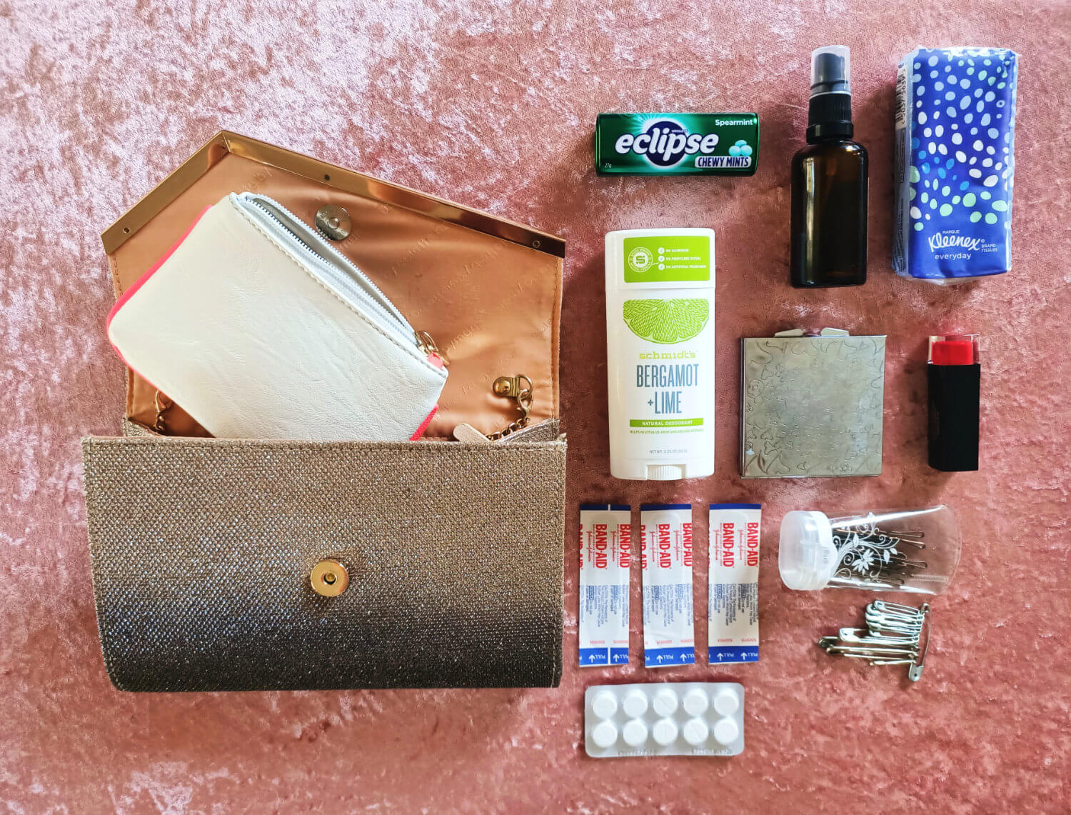 Wedding Day Emergency Kit What You Should Include Best Wedding Planning Tips Warrior Rose Events 3